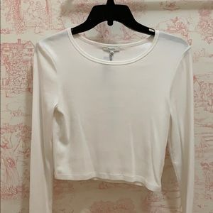 Tops - White long sleeve cropped shirt